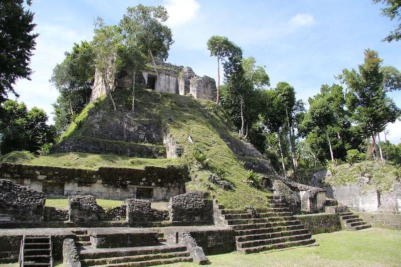 Site Maya, Yaxha