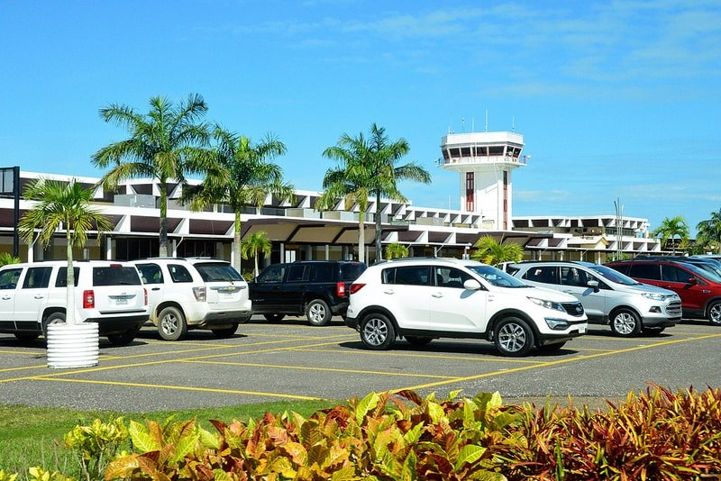 Aéroport, loger à Belize City