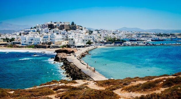 Dans quelle ville loger à Naxos ?