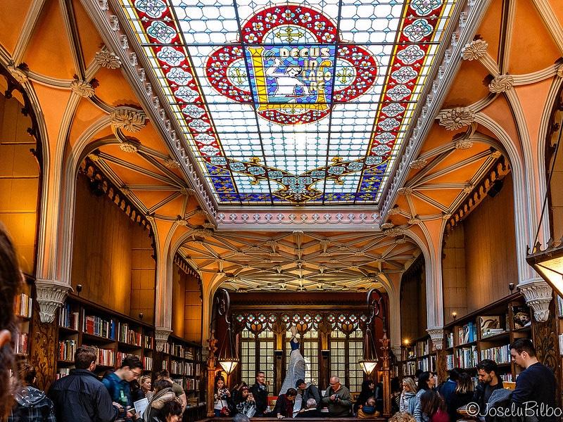 Les plus beaux endroits à visiter au Portugal, La librairie Lello