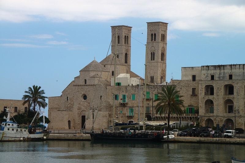 Parking, port de Bari
