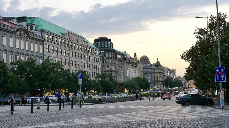 Place Venceslas, shopping à Prague