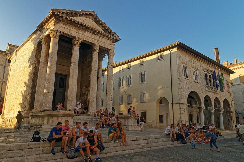 Temple d'Auguste à Pula