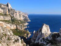 Visiter les calanques de Cassis : à pied ou en bateau