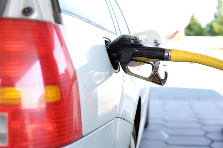 Louer une voiture en Sicile avec l'option carburant