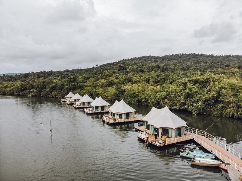 Hôtel-resort dans les Cardamomes au Cambodge