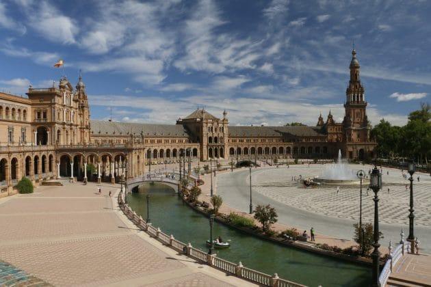 Visiter la Place d'Espagne à Séville