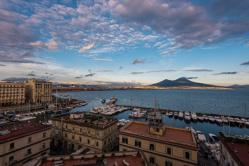 Vue du Vésuve depuis Naples