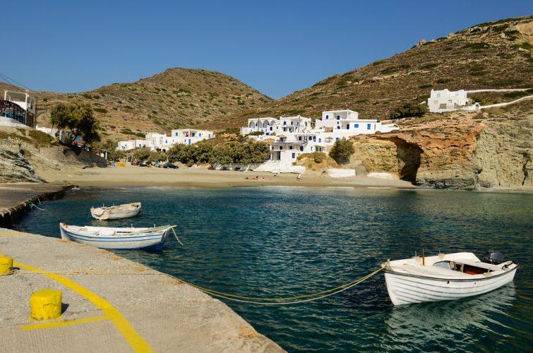 Visiter et louer un bateau à Folégandros