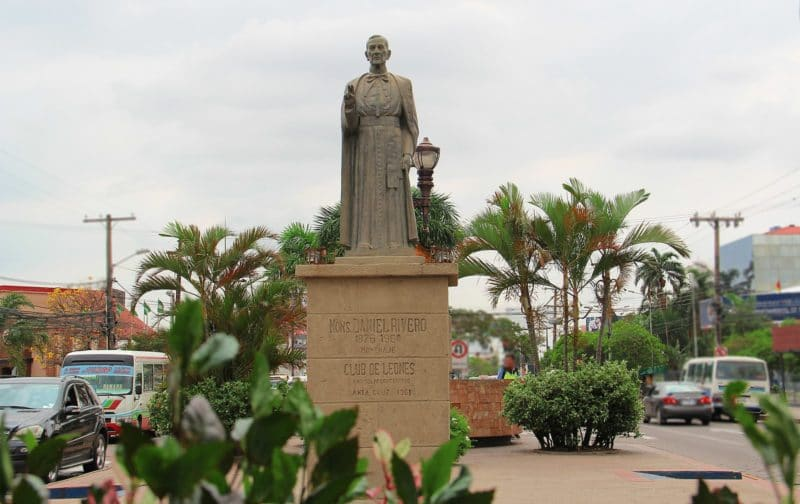 Statue Monseñor Rivero, Santa Cruz