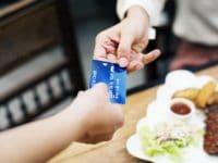 Comparatif des banques en ligne : quel compte multi devises pour voyager ?