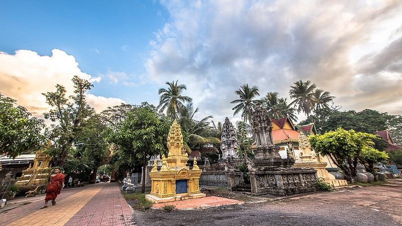 Samrong Knong, Battambang