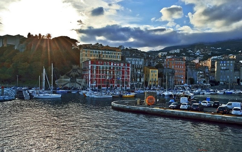 Vieux-port, loger à Bastia