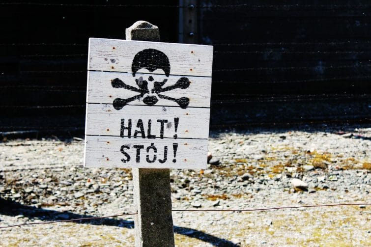 Panneau à Auschwitz
