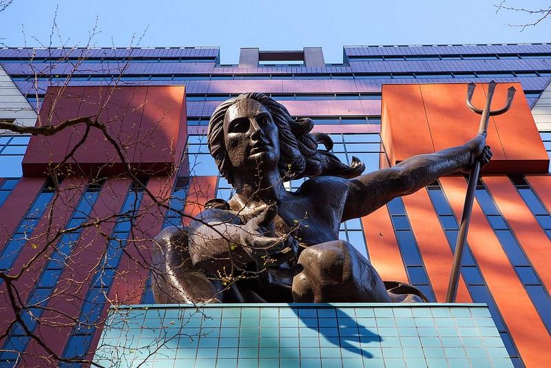 Portlandia Statue, Portland