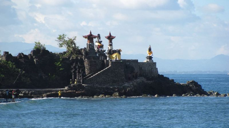 Temple Pura Batu Bolong, Lombok