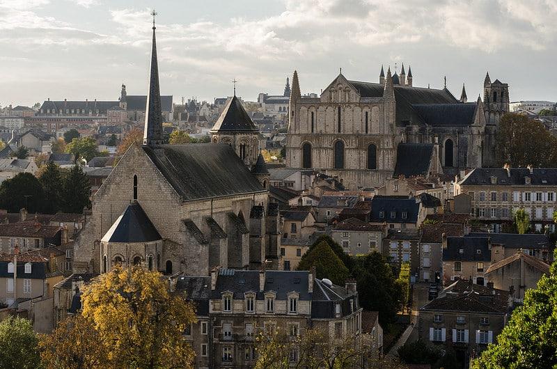 Quartier épiscopal, Poitiers