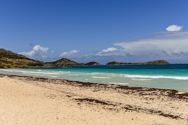 Une des 37 plages de Saint Martin