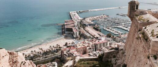 Vols A/R en direction d'Alicante à partir de 30€/personne