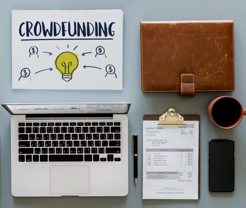 Financer un tour du monde : crowdfunding, sponsors, partenariats
