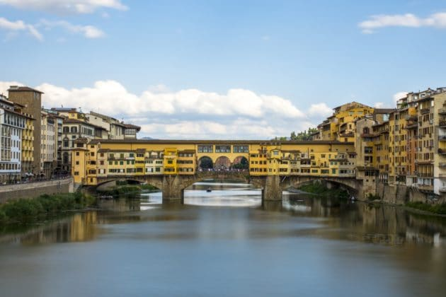 Visiter le Ponte Vecchio, le plus célèbre pont de Florence