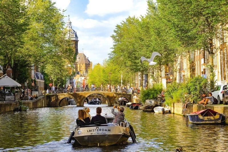 Horaires et tarifs d'une croisière sur les canaux d'Amsterdam
