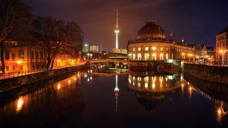 Histoire de la Tour Berlin TV