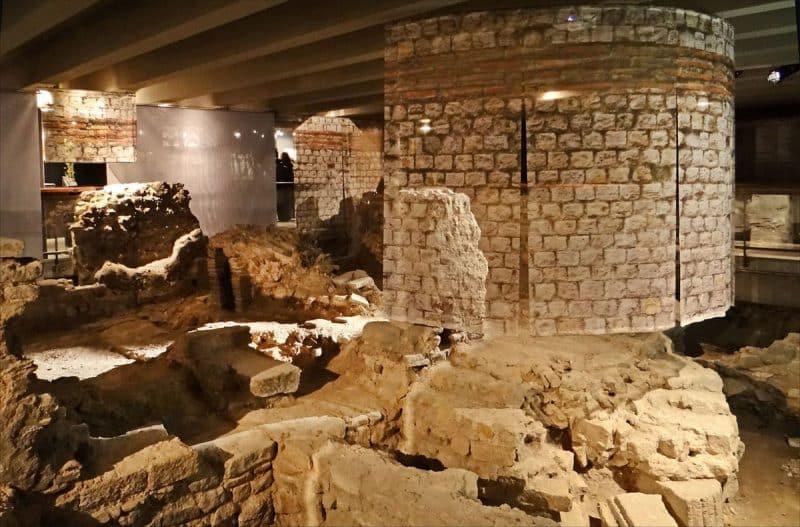 Crypte archéologique Notre-Dame de Paris