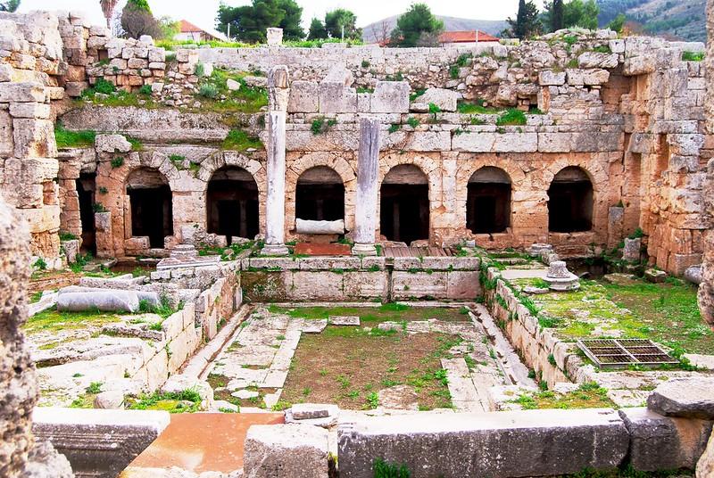 Le Pirène, Corinthe