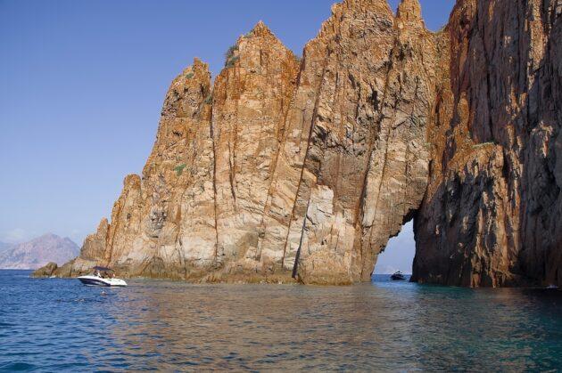 Comment aller en Corse depuis Nice en ferry ?