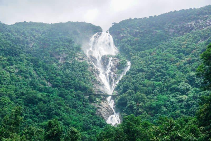 Cascade de Dudhsagar, Inde