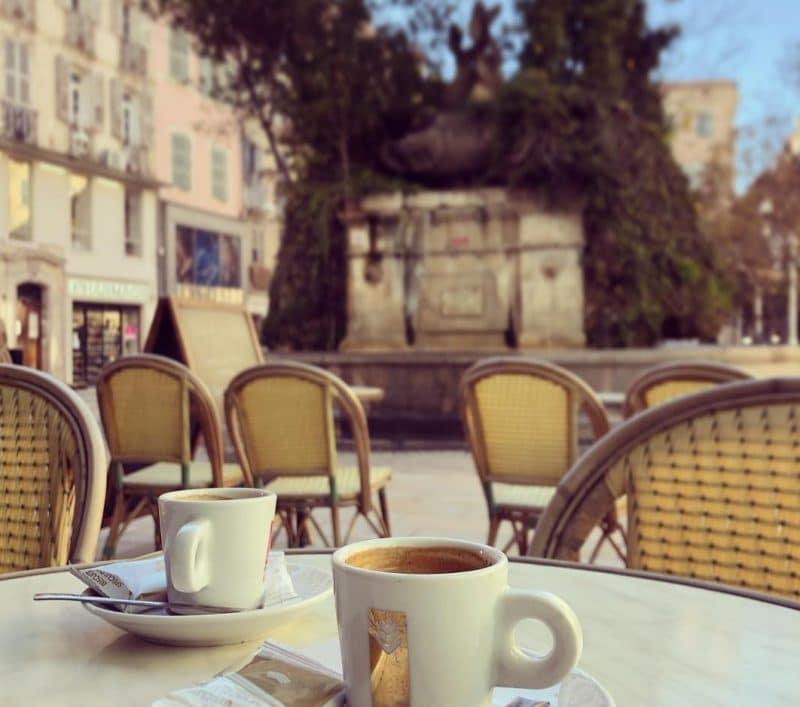 Place Puget, Fontaine des Trois Dauphins, Toulon
