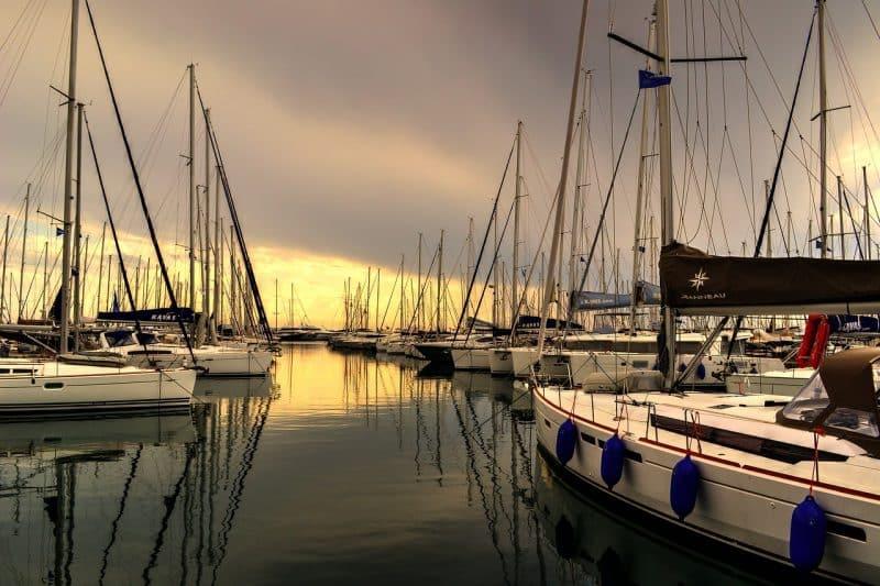 Réserver un ferry pour aller à Paros en Grèce
