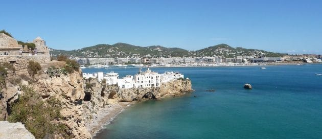 Comment aller à Ibiza depuis Barcelone en ferry ?