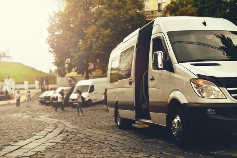 Quel modèle de minibus choisir pour la location d'autocar en groupe ?