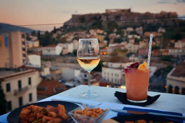 Les 10 meilleurs rooftops où boire un verre à Athènes