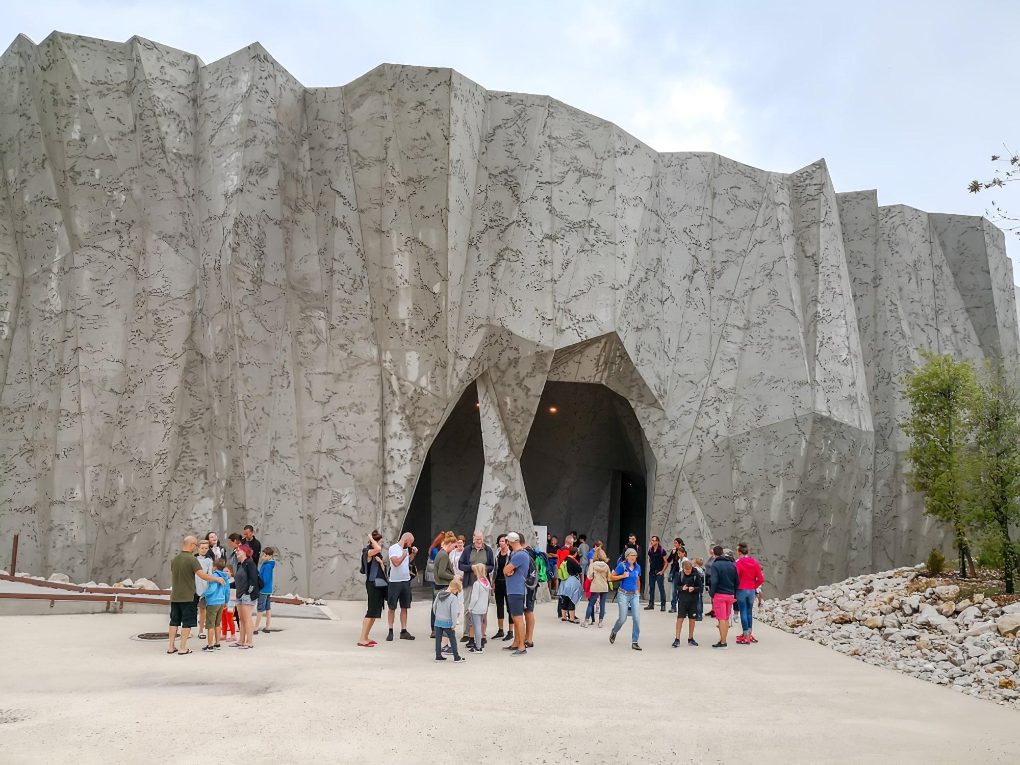 Visiter les grottes de Chauvet en Ardèche
