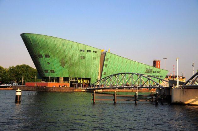 Visiter le Musée des Sciences NEMO à Amsterdam : billets, tarifs, horaires
