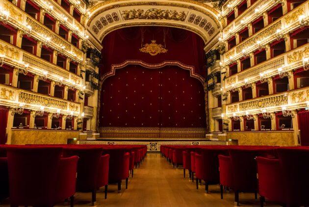 Visiter le théâtre San Carlo à Naples : billets, tarifs, horaires