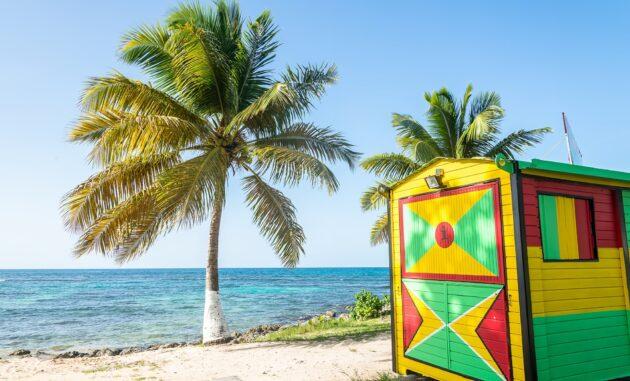 Les 12 meilleurs bars de plage où boire un verre en Guadeloupe