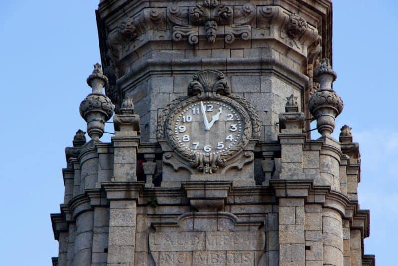Horaires et tarifs de la Tour des Clercs à Porto