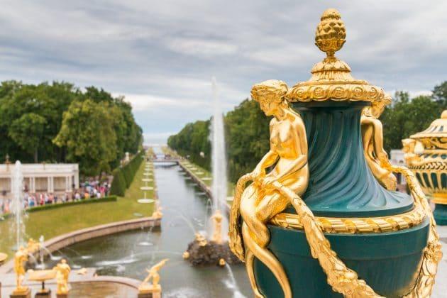Visiter le Palais de Peterhof à Saint-Pétersbourg : billets, tarifs, horaires