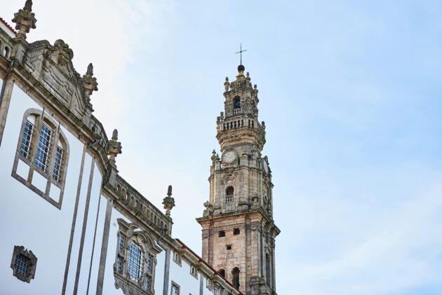 Visiter la Tour des Clercs à Porto : billets, tarifs, horaires