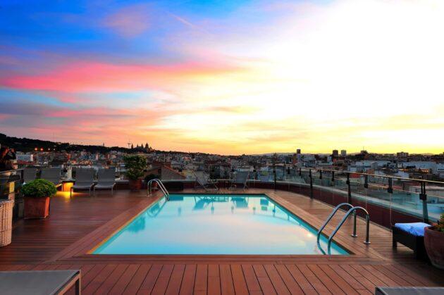 Les 10 meilleurs rooftops où boire un verre à Barcelone