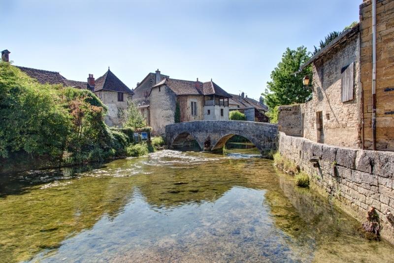 Arbois beau village Jura