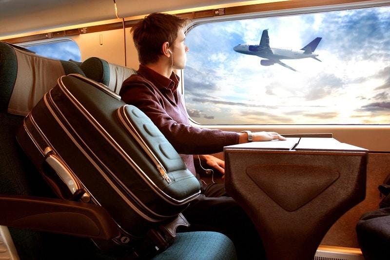 Avion, train, pollution