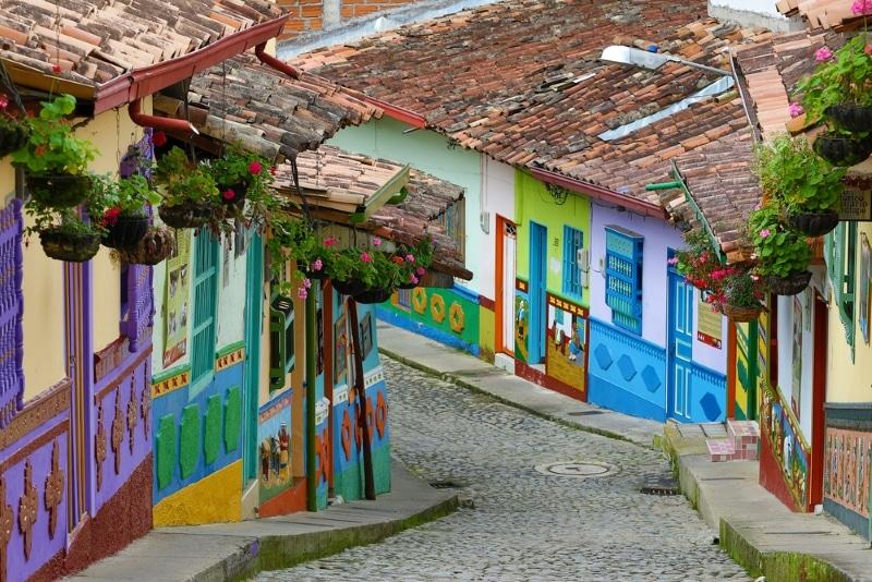 Colombie maisons colorées à Guatape