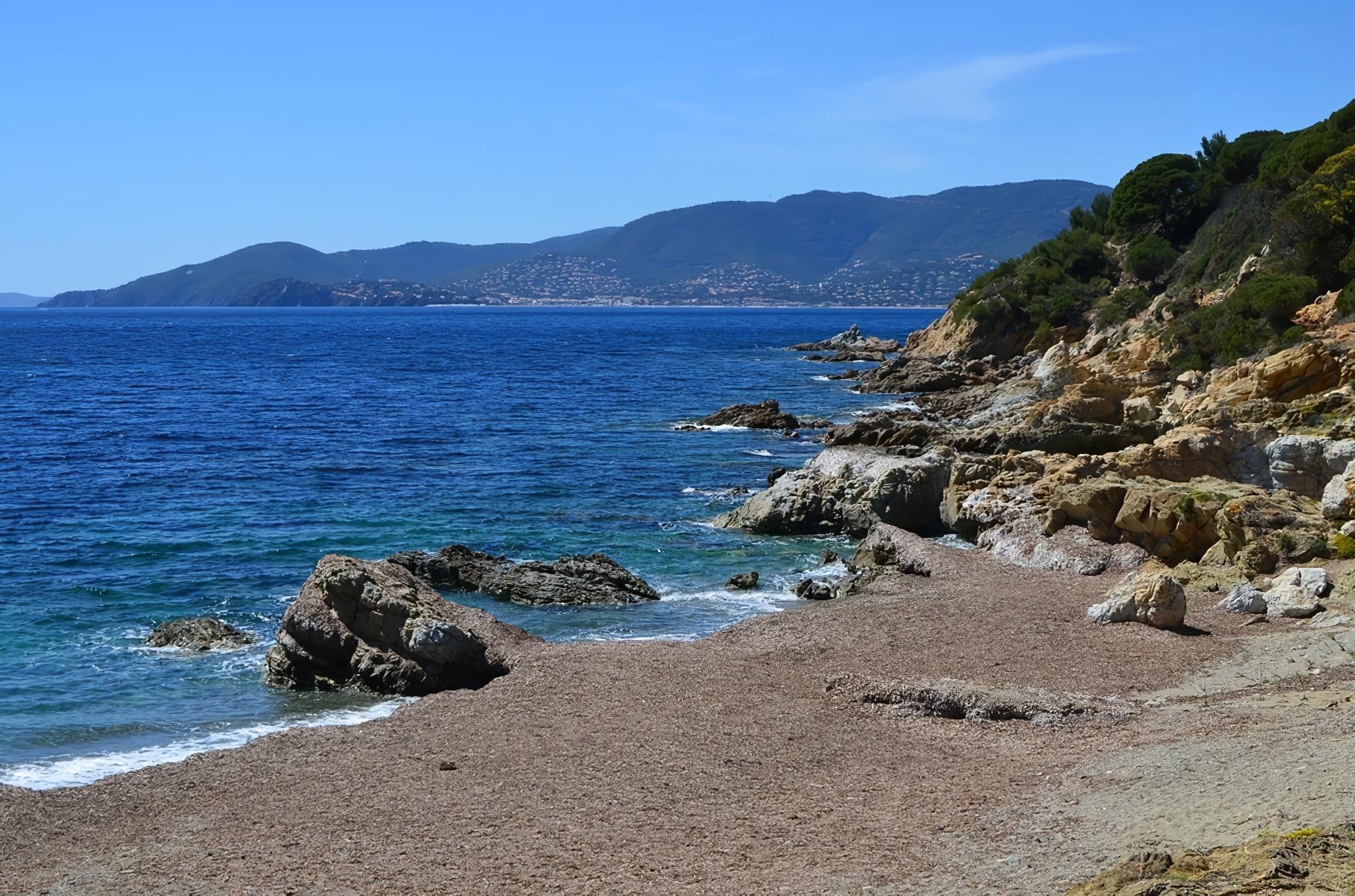 Côte d'Azur mer ou loger cavalaire sur mer