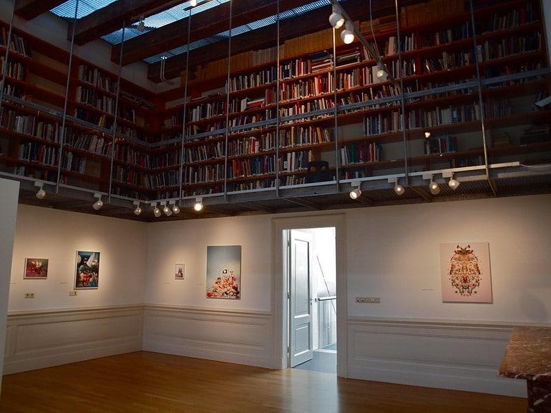 Intérieur du musée de la photo FOAM d'Amsterdam