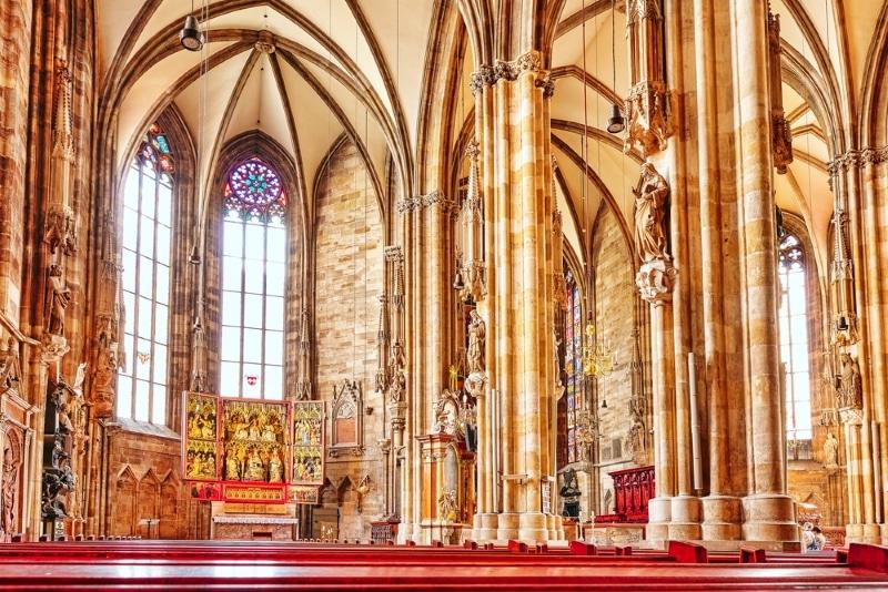 Intérieur de la Cathédrale Saint Etienne Vienne